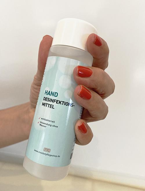 Hand-Desinfektion + Hygiene-Reiniger + 3 Atemschutz-Masken + Handschuhe 5